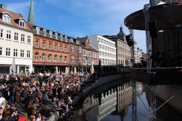 GoBoat @ SPOT Festival: Concert on the river